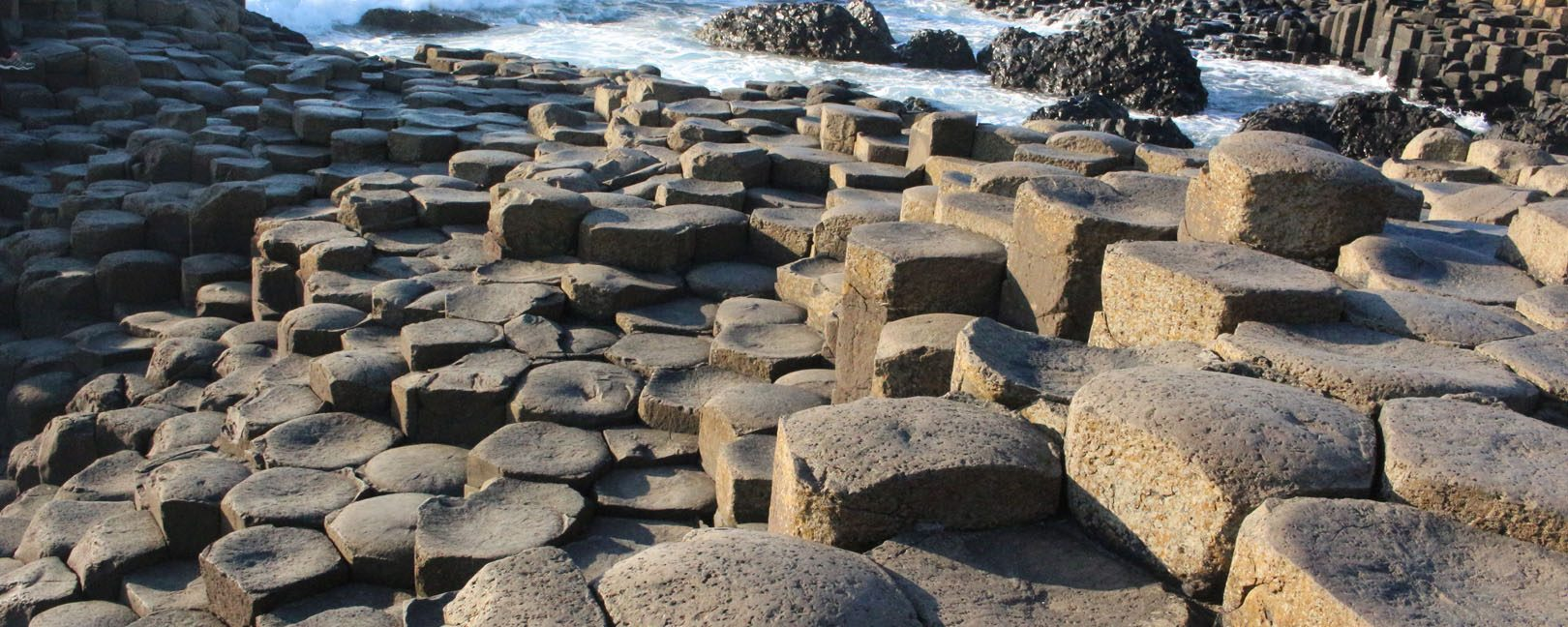 Giants-Causeway Nordirland Roadtrip Basaltgestein the euroamers