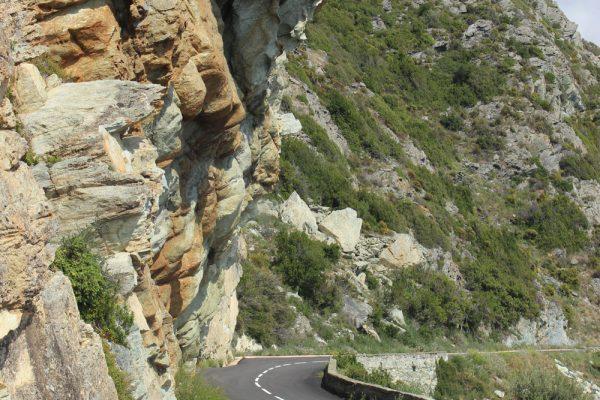 Kurvige-Straße Korsika