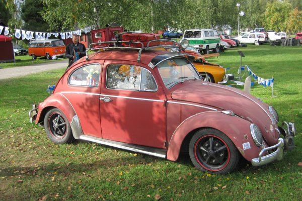 VW Käfer auf dem VW-Treffen in Finnland