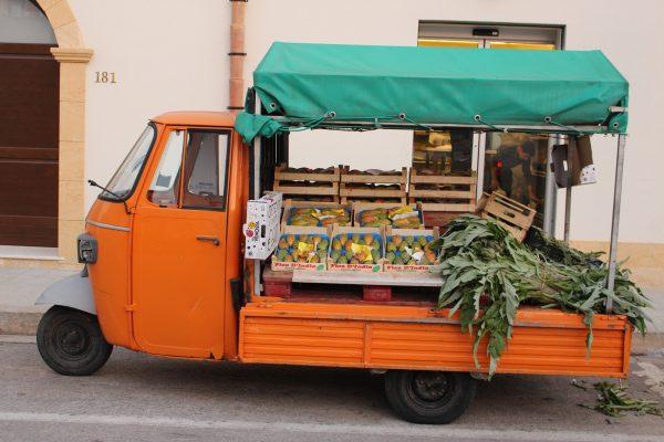 Gemüse-Ape Italien Sizilien
