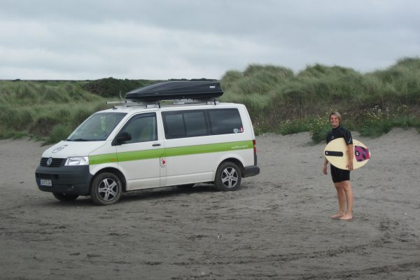 Skimboarden Wassersport Atlantik Wales Vanille Campervan the euroamers