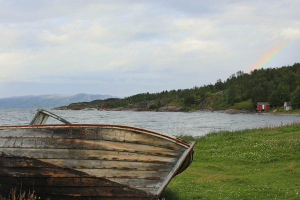Fjord Norwegen Nordkapp Fischerboot Regenbogen
