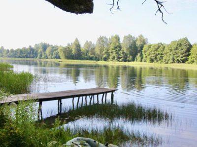 idyllischer-Badesee Baltikum