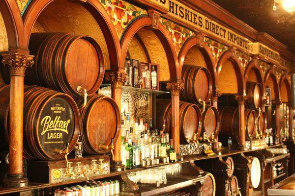 Kneipe Whiskey Irland Nordirland Whiskey-Fass