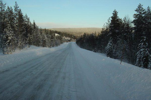 eisige-Straßenverhältnisse Schweden