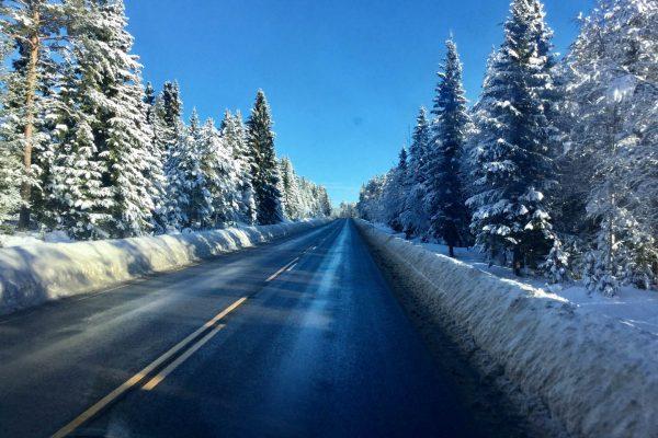 Winterstraße Lappland
