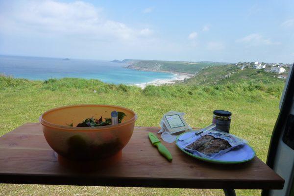 Meerblick Mittagspause Cornwall Vanlife